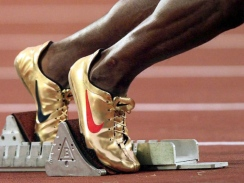 michael-johnson-gold-nike-shoes-02